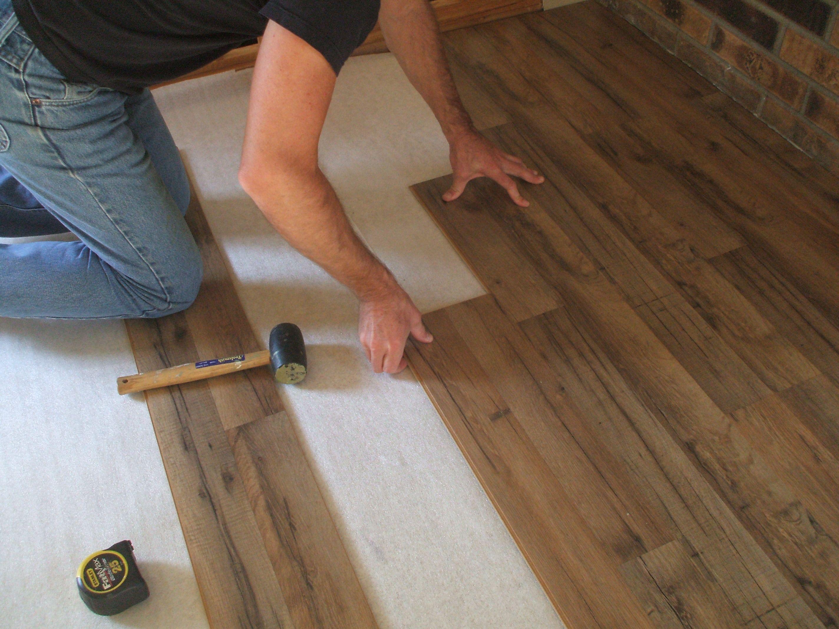 Монтаж ламината на бетонный пол