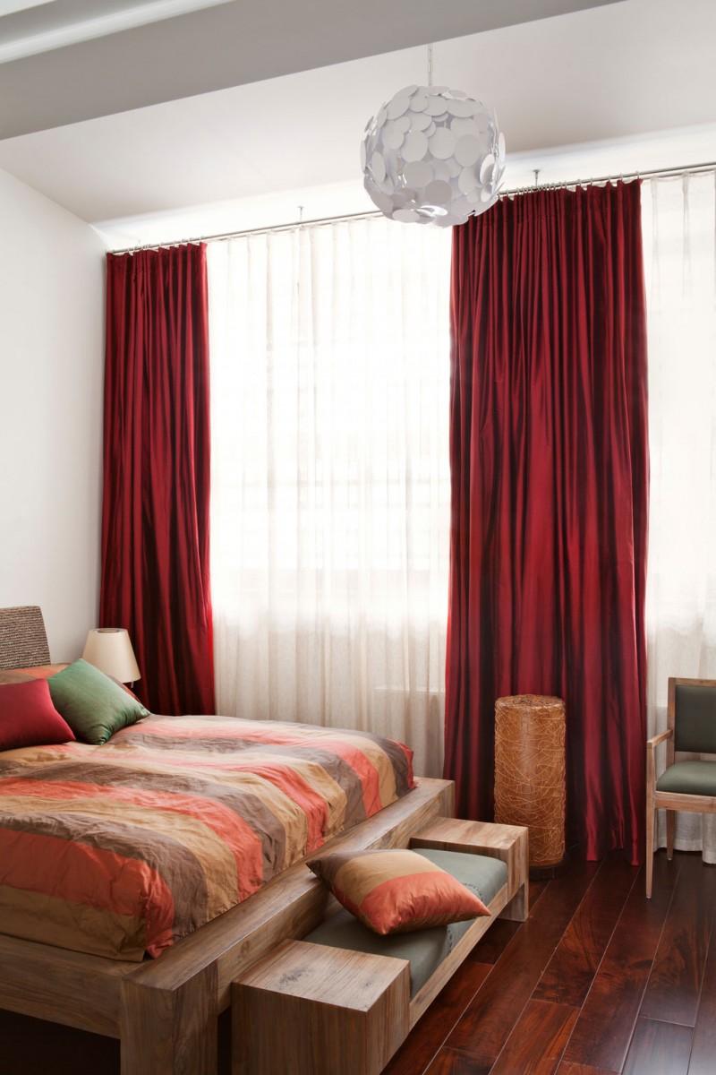 Красные шторы из муслина