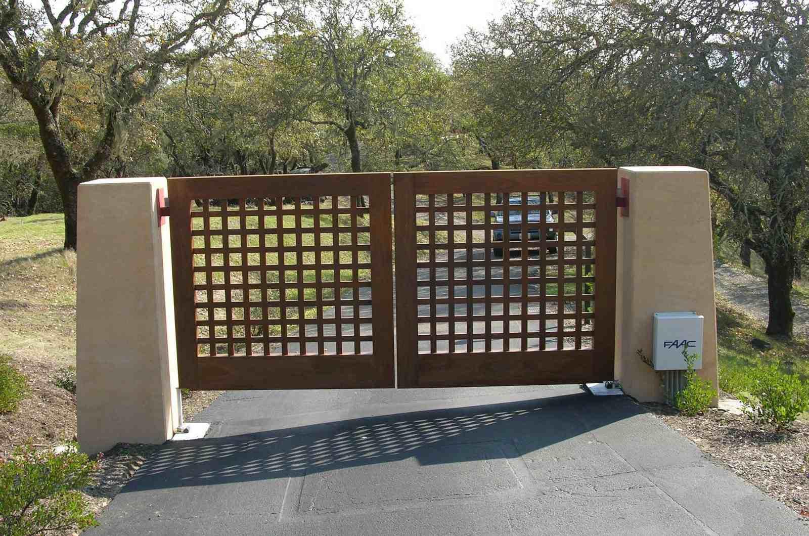 Распашные небольшие ворота