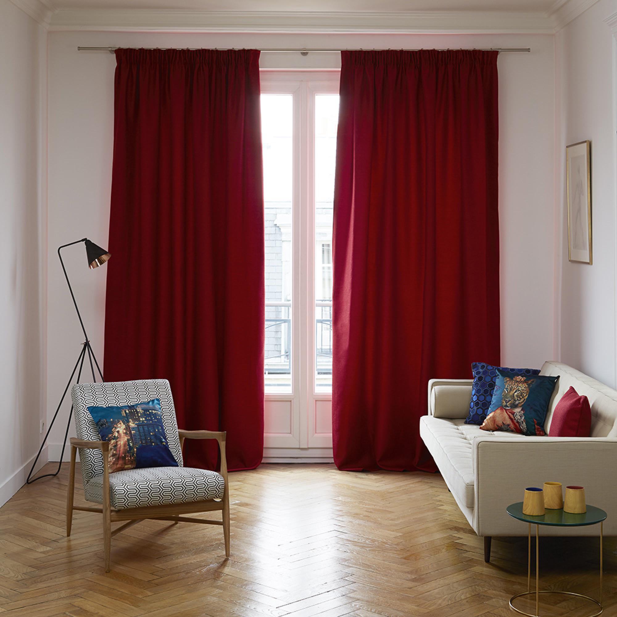 Красные однотонные шторы
