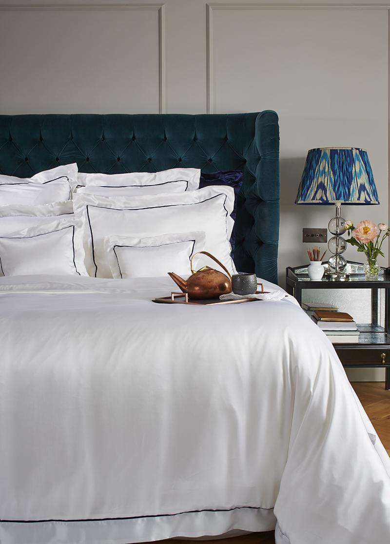 Шелковое постельное белье с окантовкой