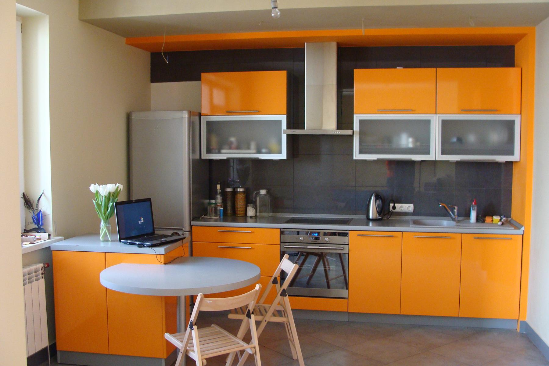 Оранжевая кухня МДФ