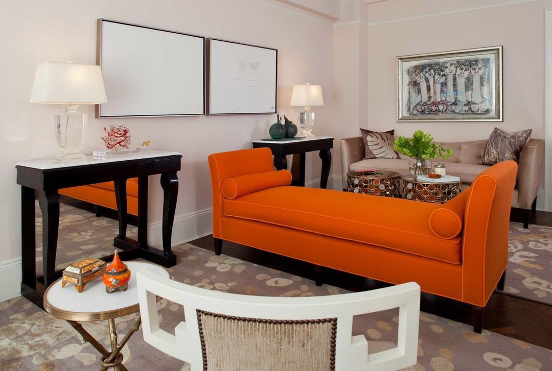Оранжевый диван кушетка
