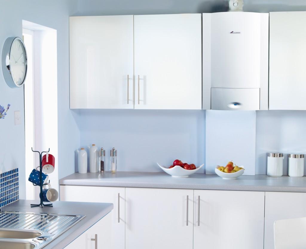 Декоративная панель для трубы на кухне