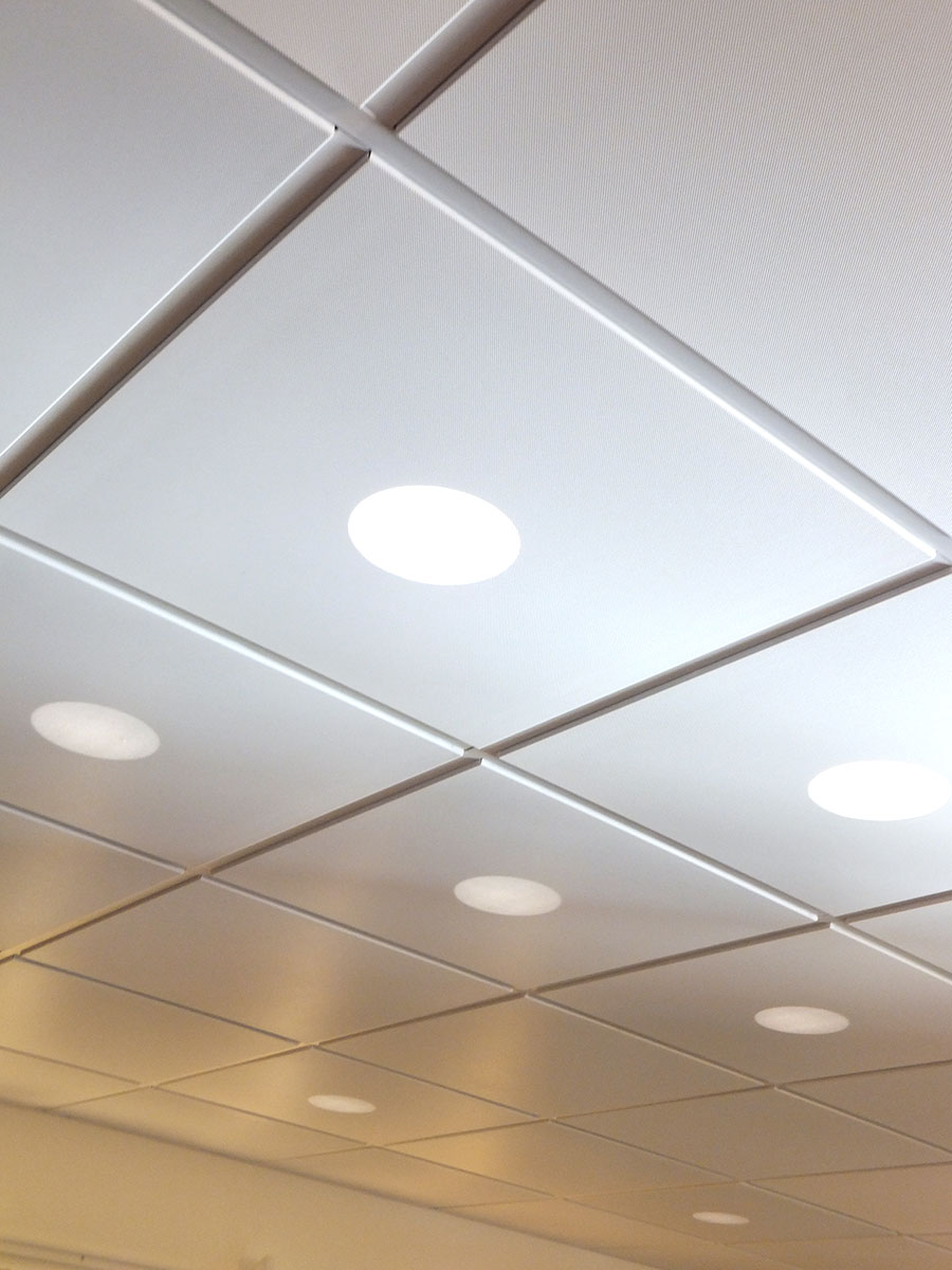 Звукоизоляционные панели на потолке
