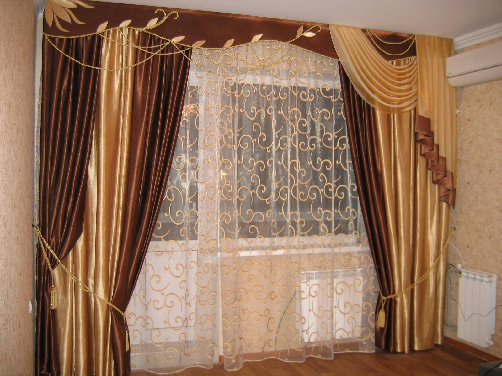 Золотые шторы из парчи