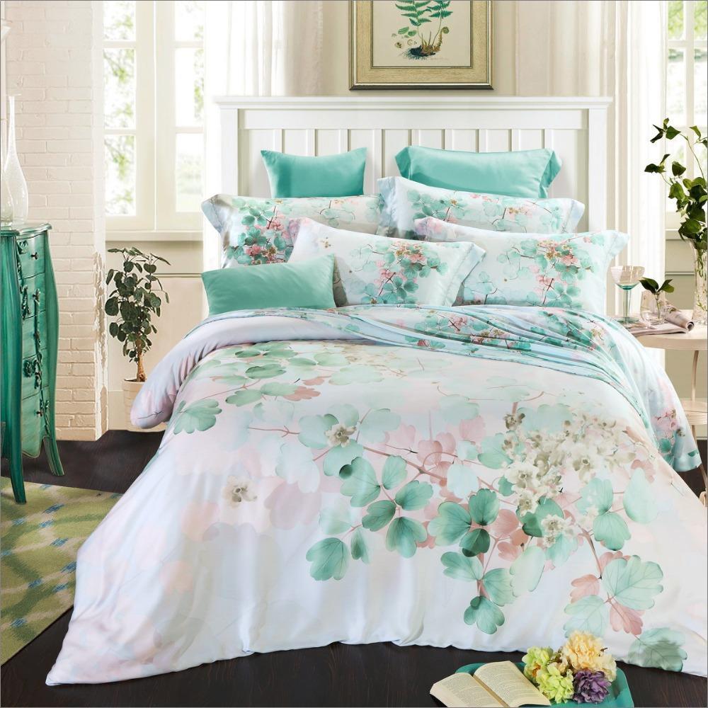 Шелковое постельное белье пастельного оттенка