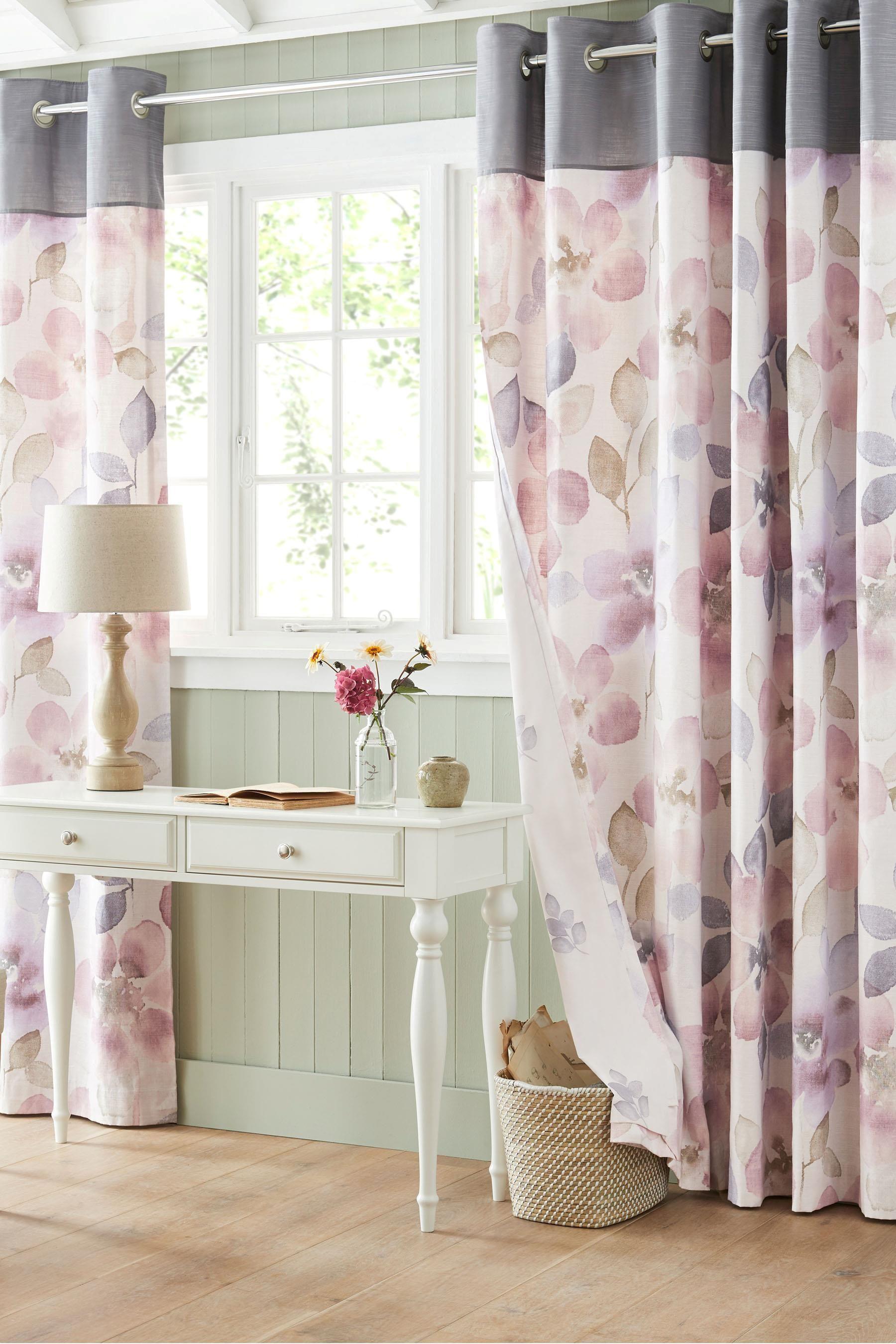 Сиреневые шторы пастельного оттенка