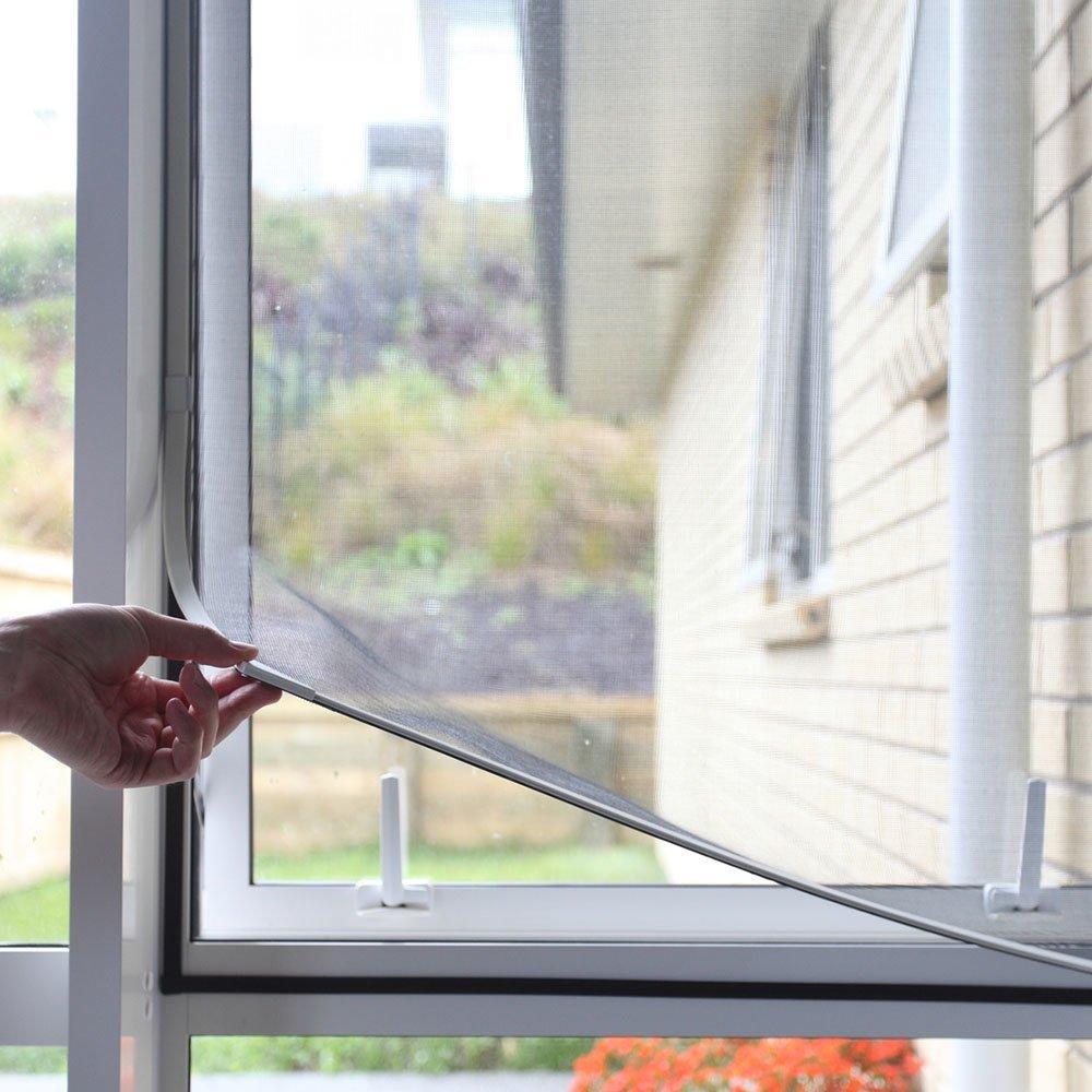 Антимоскитная сетка на пластиковое окно