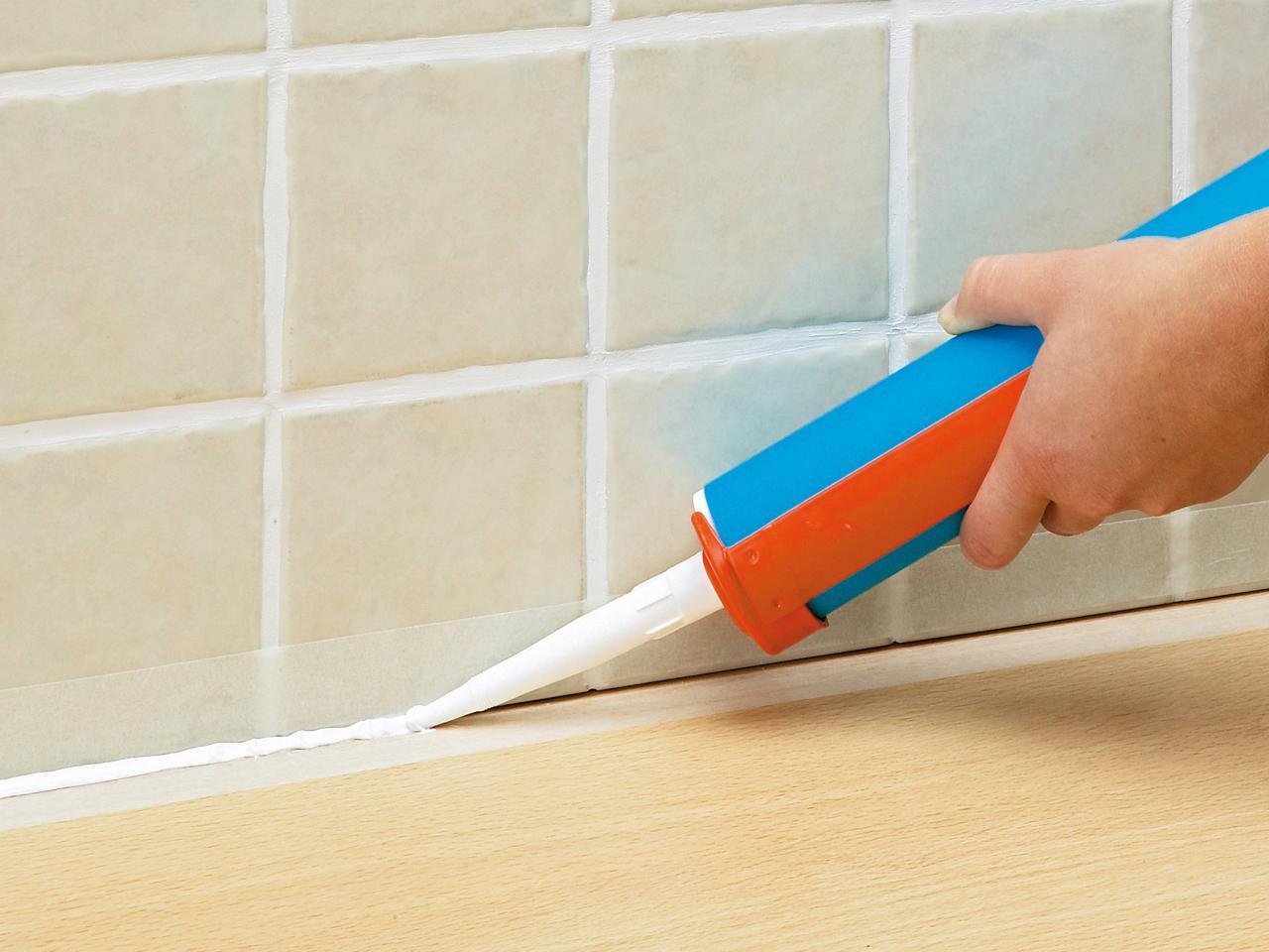 Силиконовый герметик для плитки