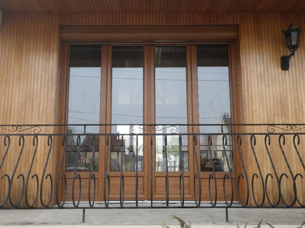 Балконная дверь под дерево