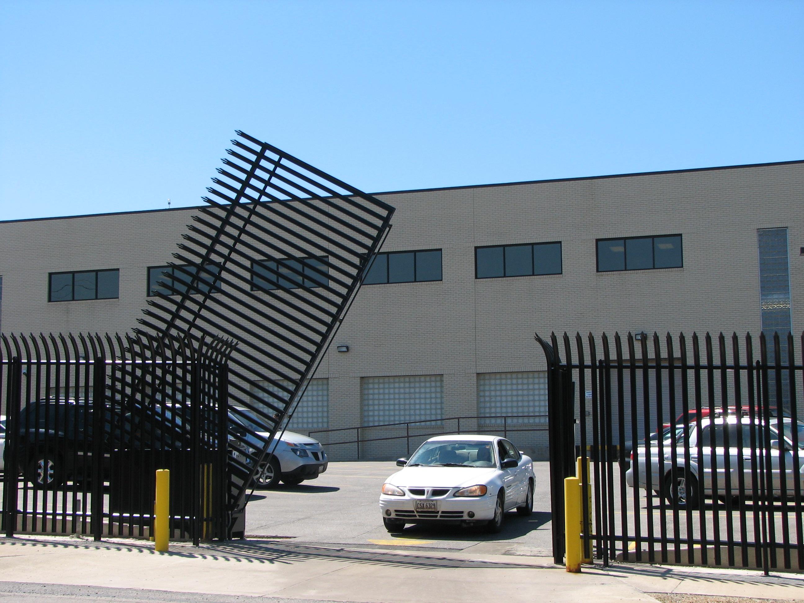 Подъемные вертикальные ворота