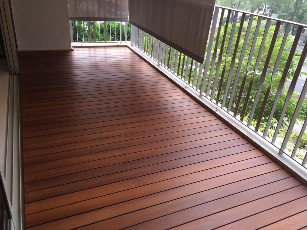 Ламинат на балконе поперек