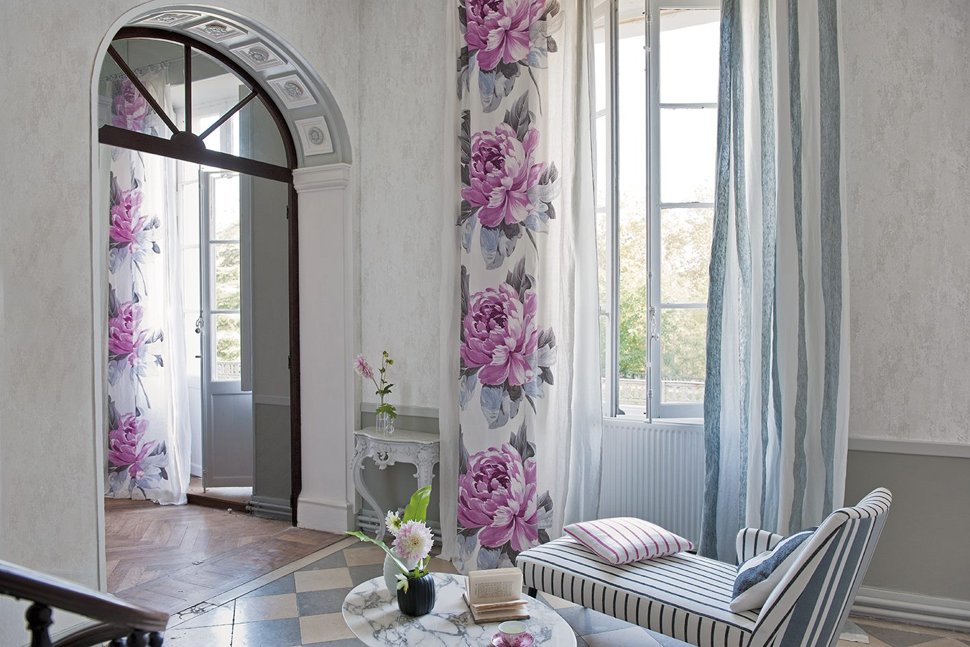 Узкие шторы с принтом