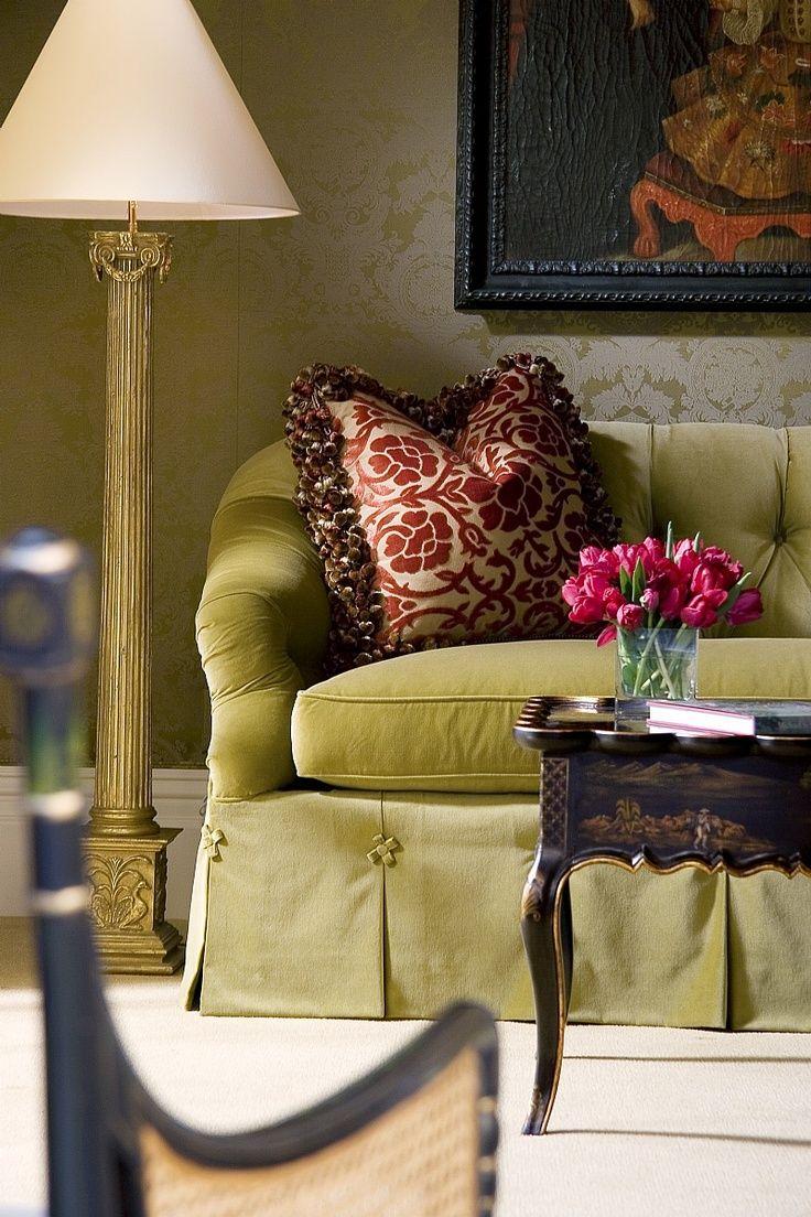 Зеленый диван в стиле прованс