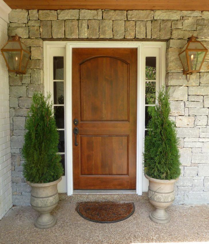 Дверь в дом в стиле прованс