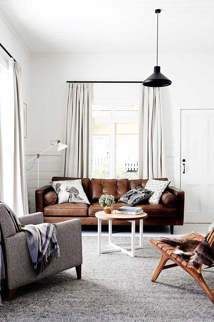 Коричневый прямой диван