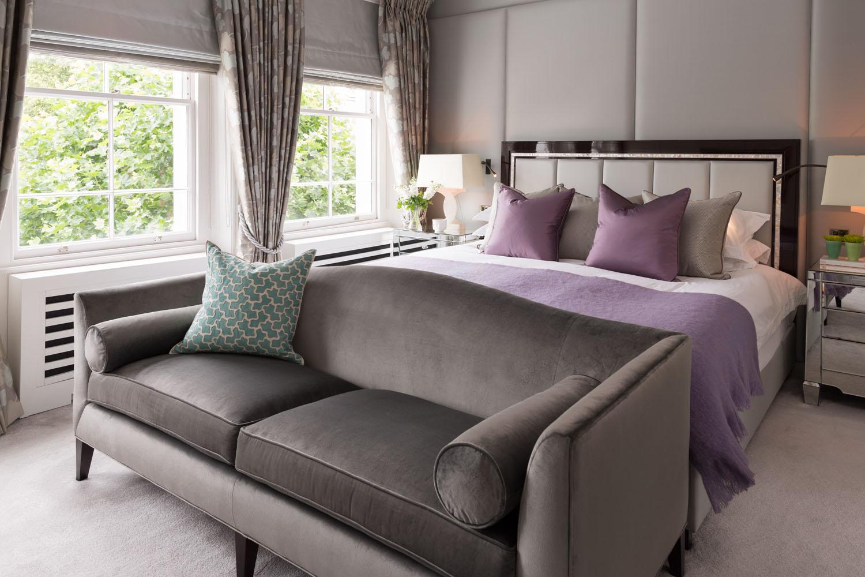 Диваны для спальни: компактная мебель с максимумом комфорта (21 фото)