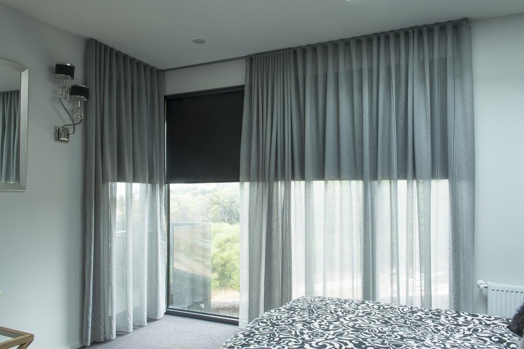 Прямые шторы из вуали