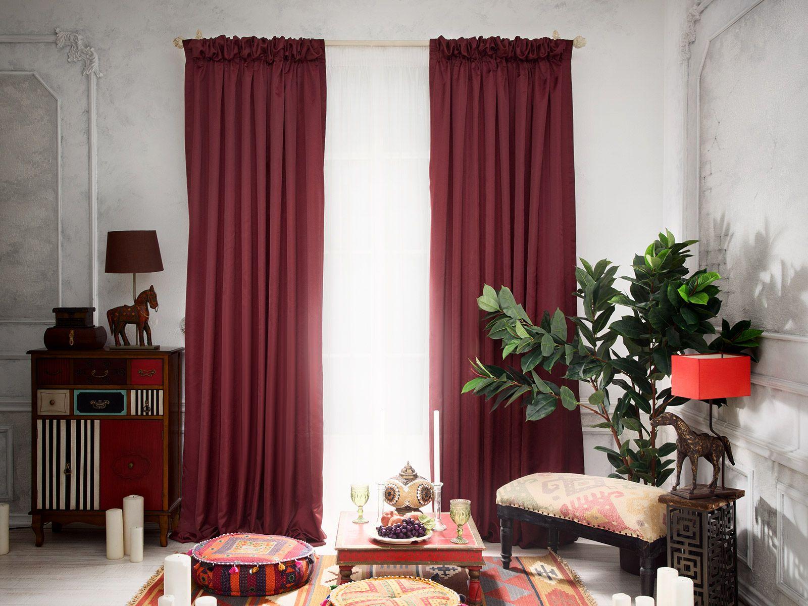 Бордовые прямые шторы
