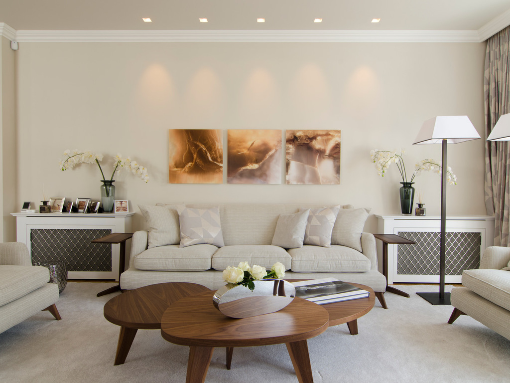 Прямой диван на металлокаркасе