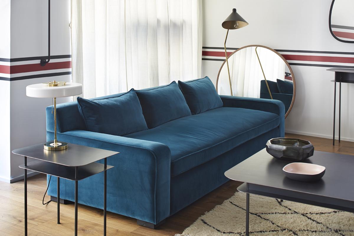 Синий раздвижной диван