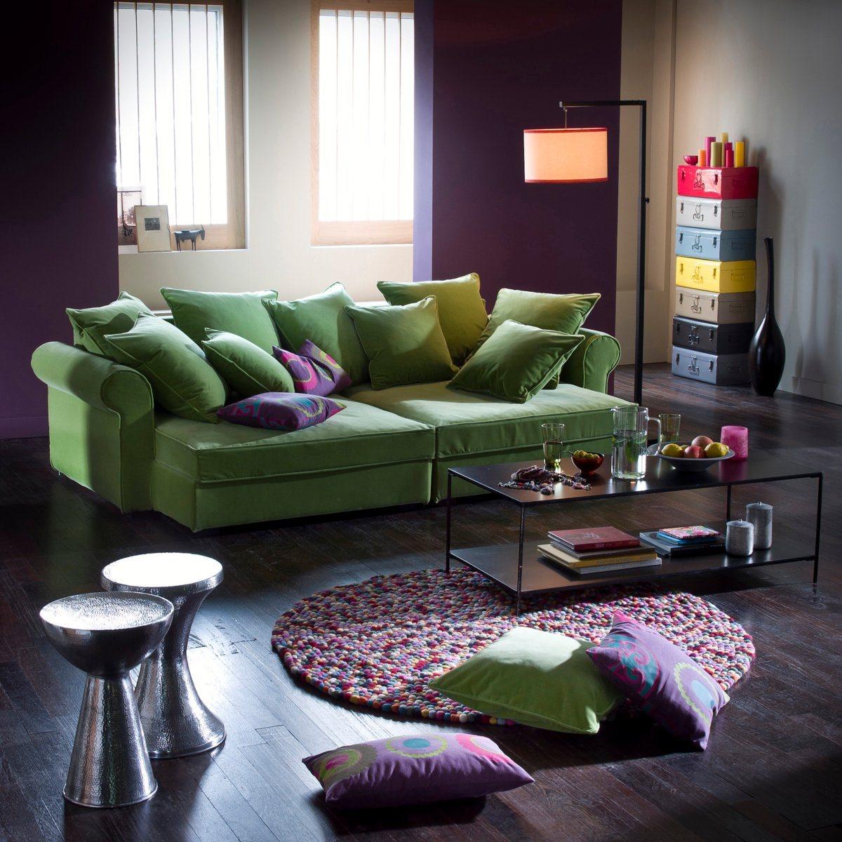 Зеленый раскладной диван