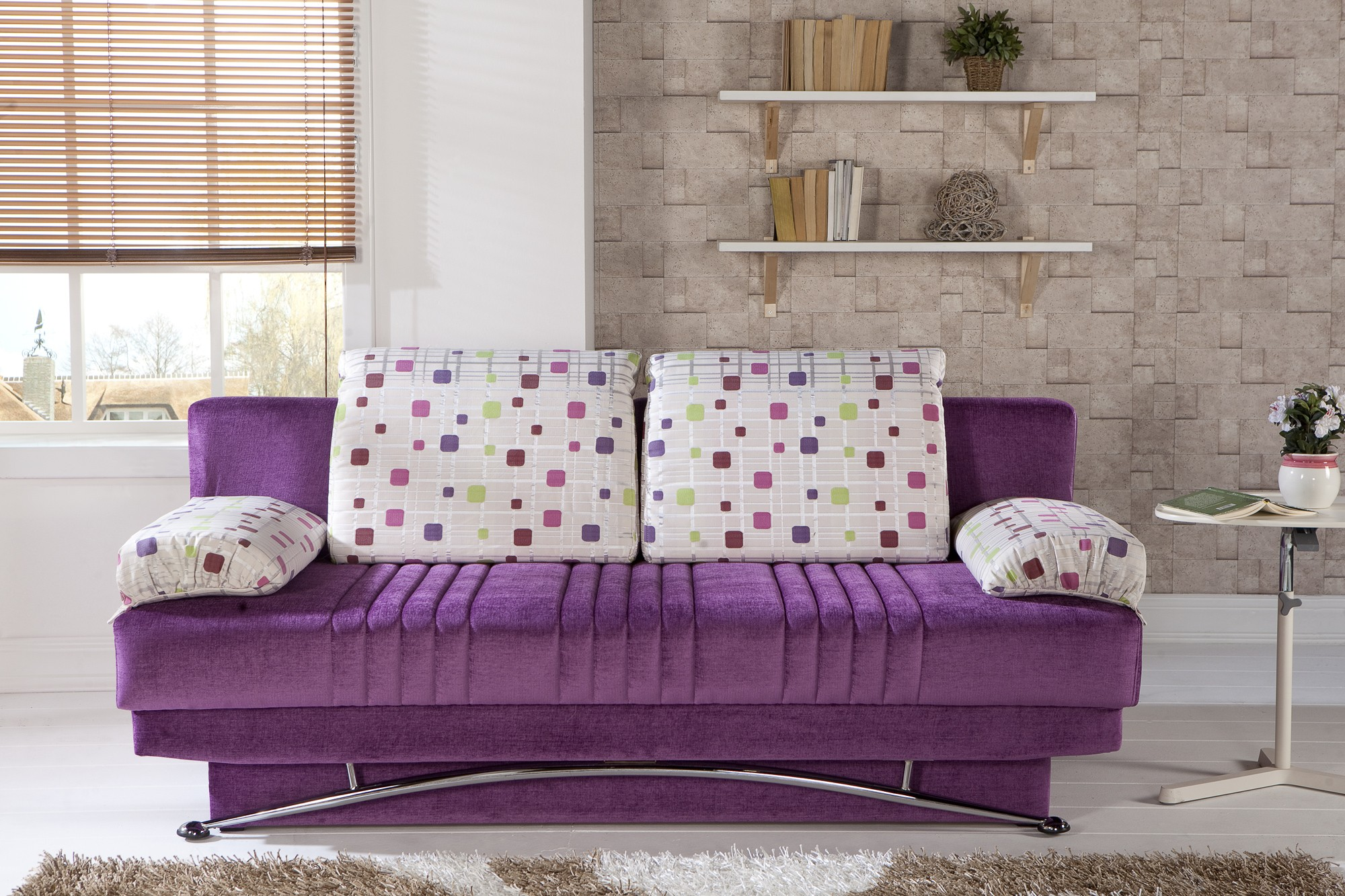 Фиолетовый раскладной диван