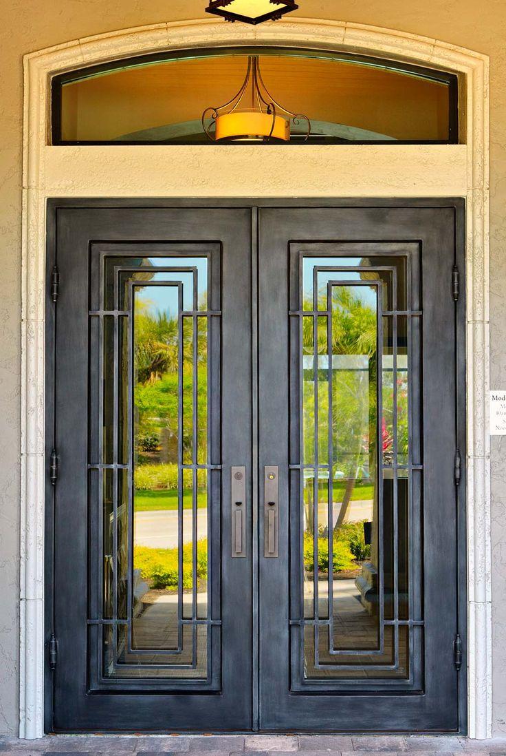 Кованая распашная дверь