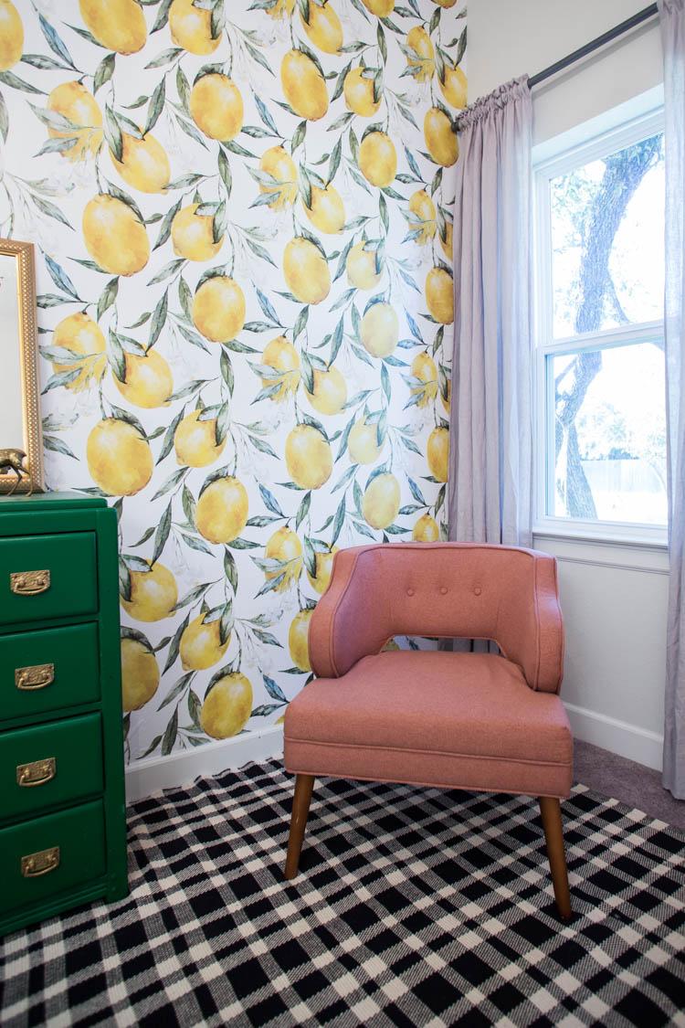 Обои для комнаты девочки с растительным рисунком
