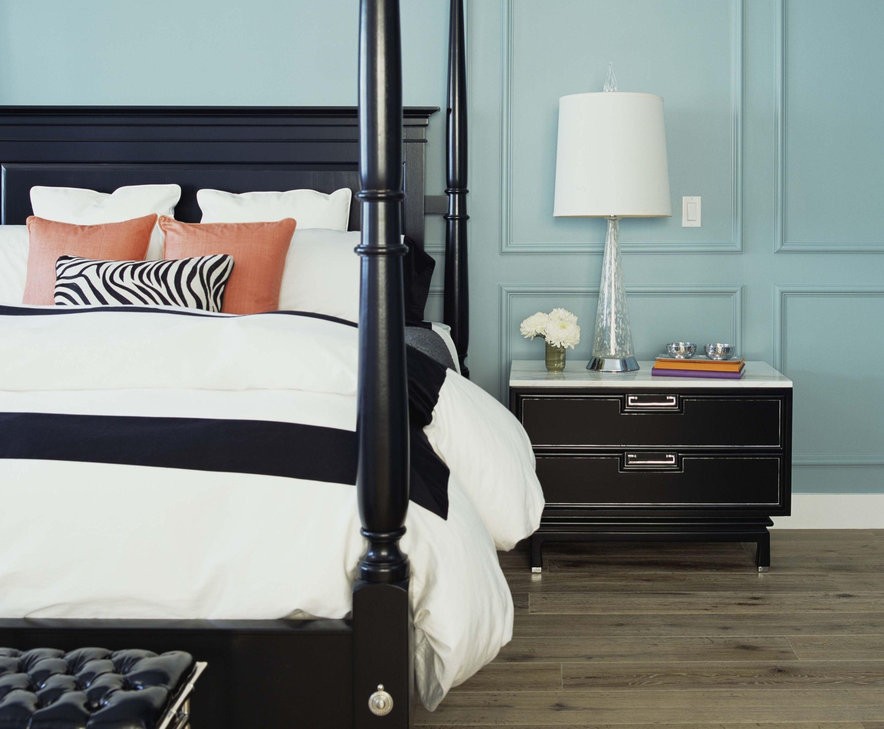 Размещение кровати в спальне