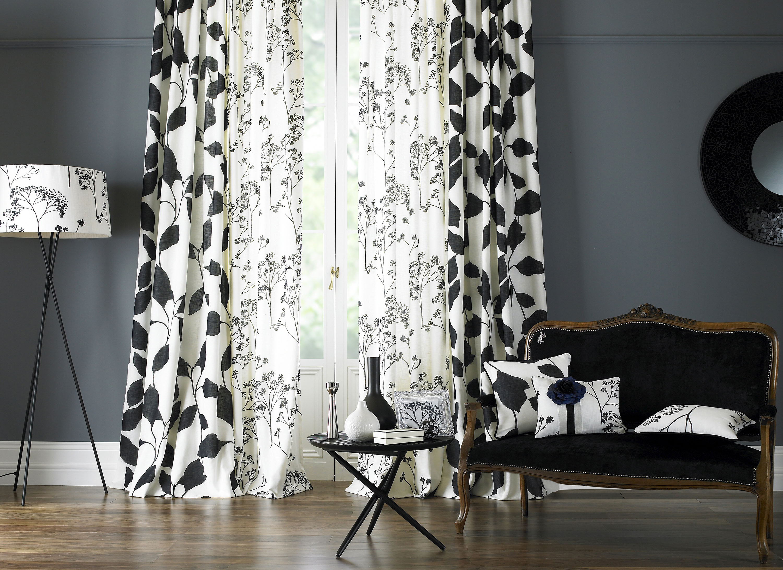 Черно-белые шторы с рисунком