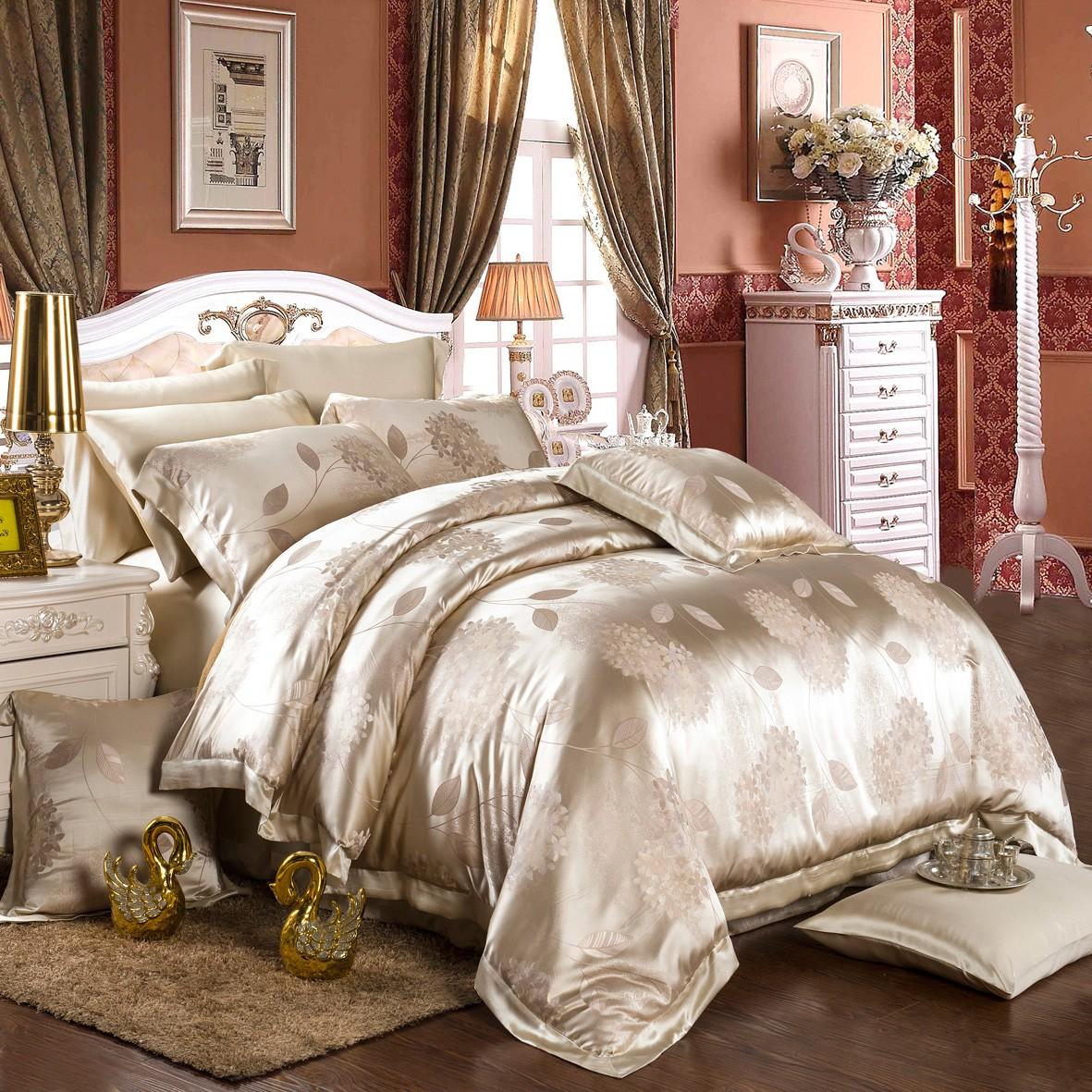 Шелковое постельное белье с рисунком