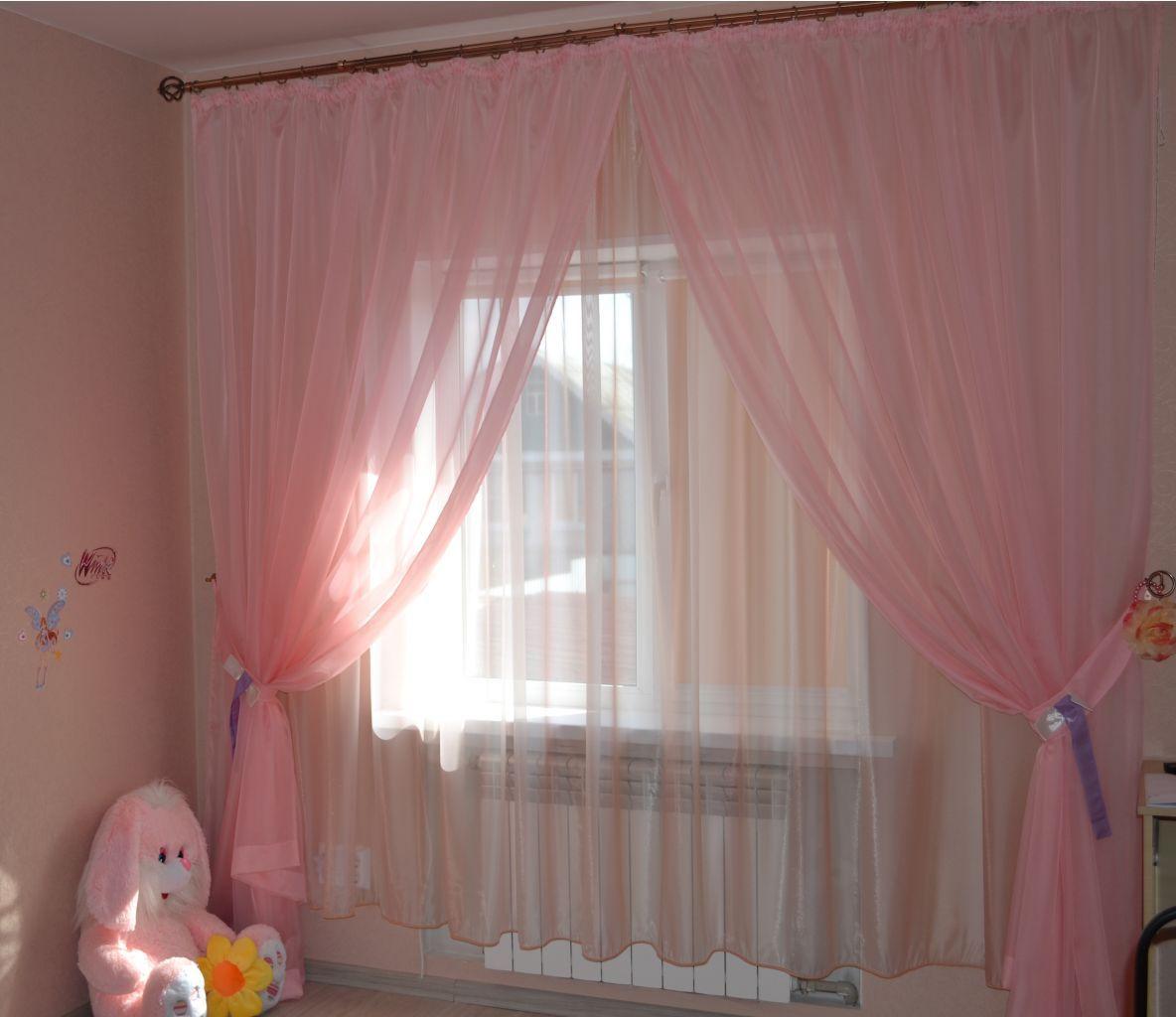 Розовые шторы из вуали