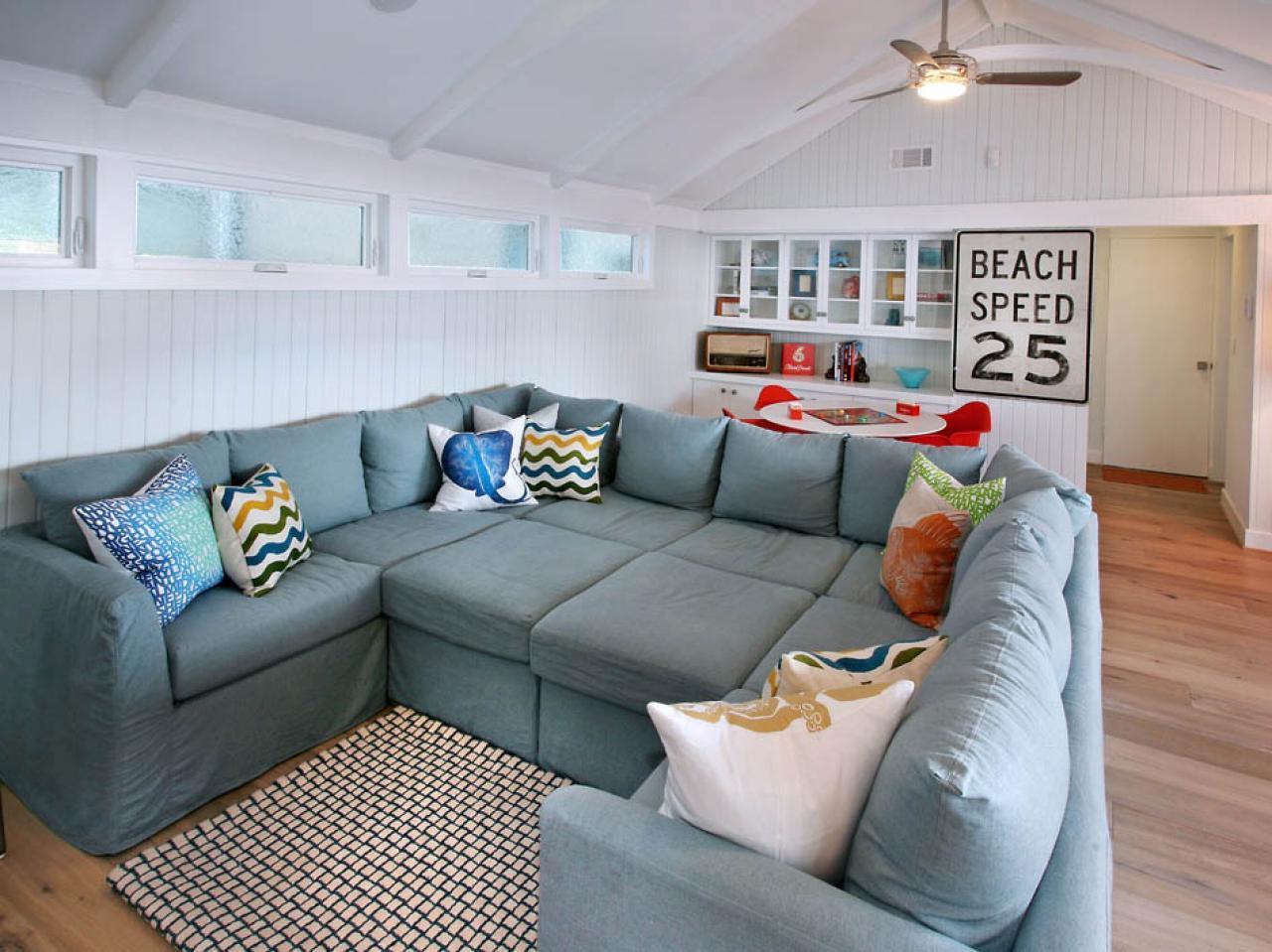 Серо-голубой диван