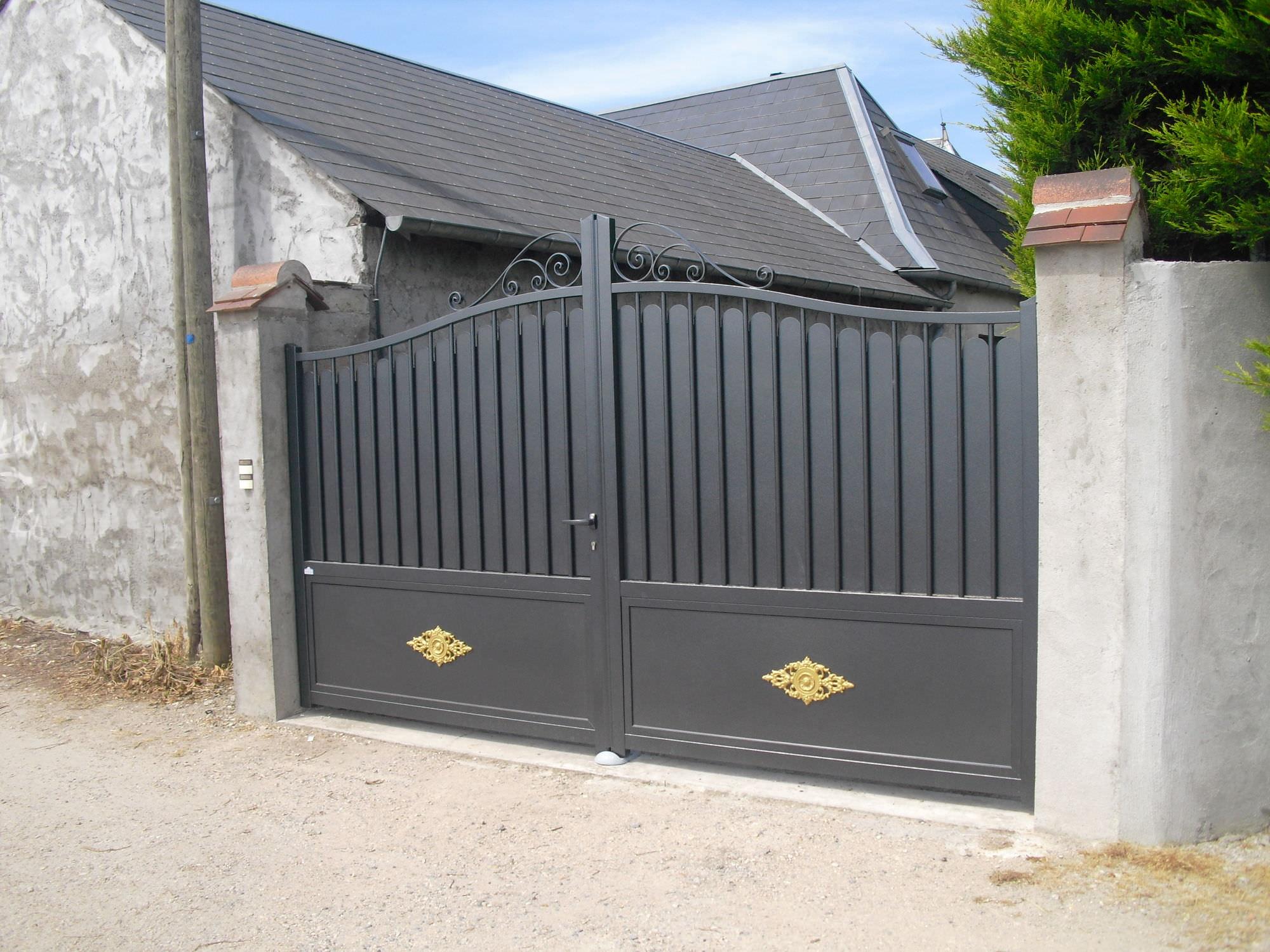 Ворота из профнастила серые
