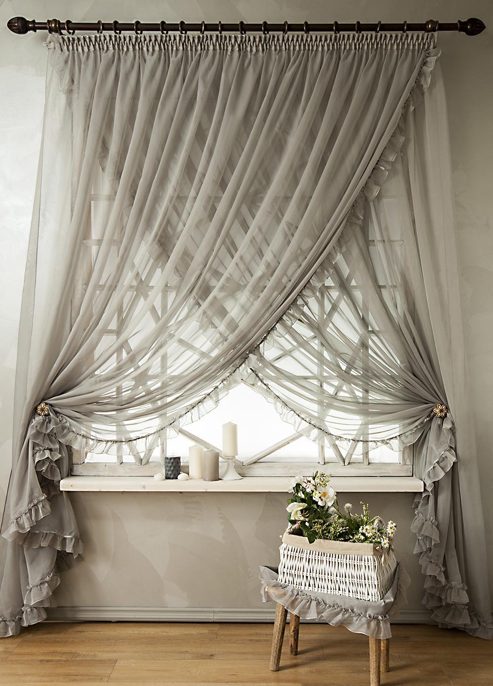 Серые шторы из вуали