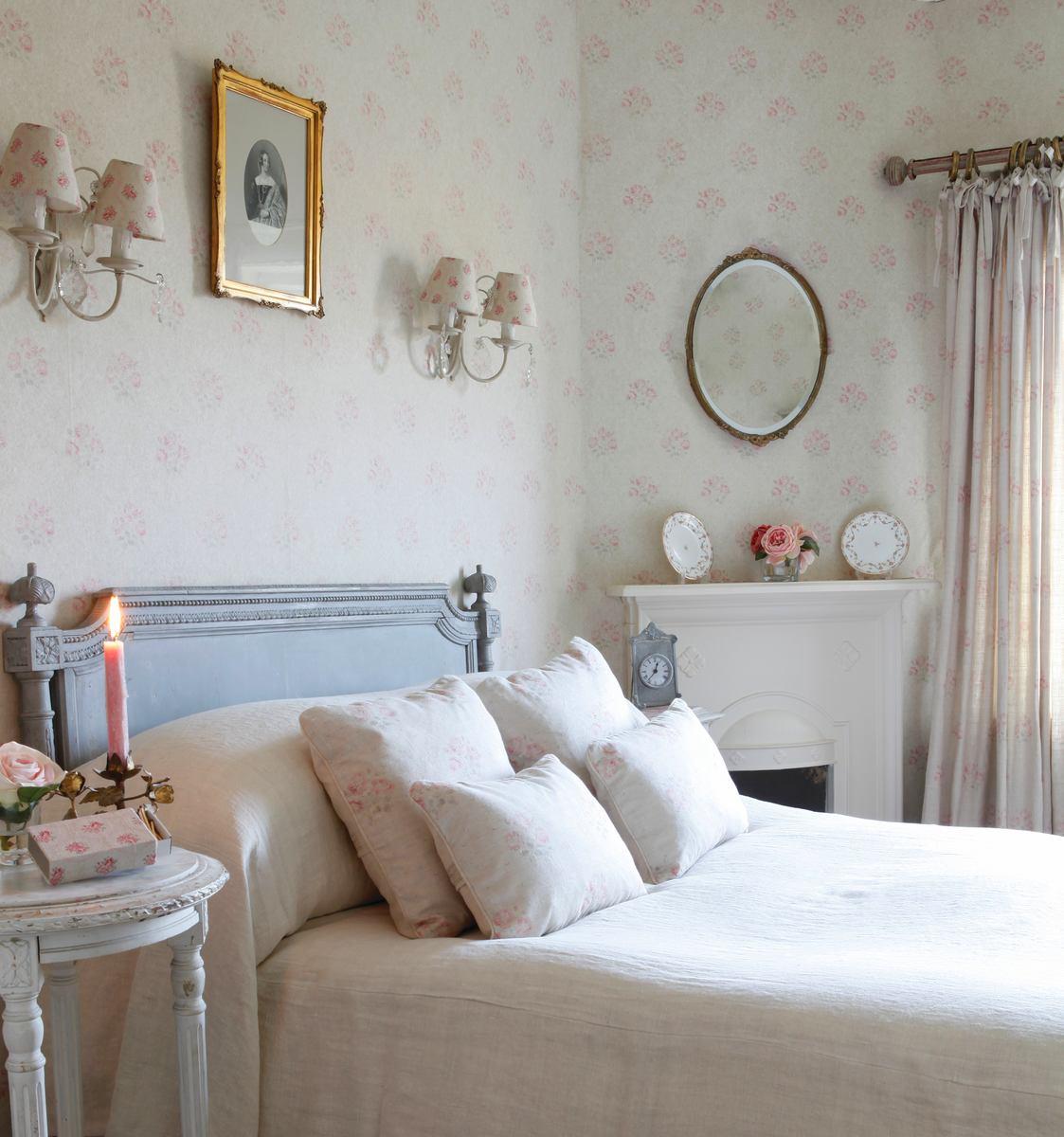 Спальня на даче в стиле шебби-шик