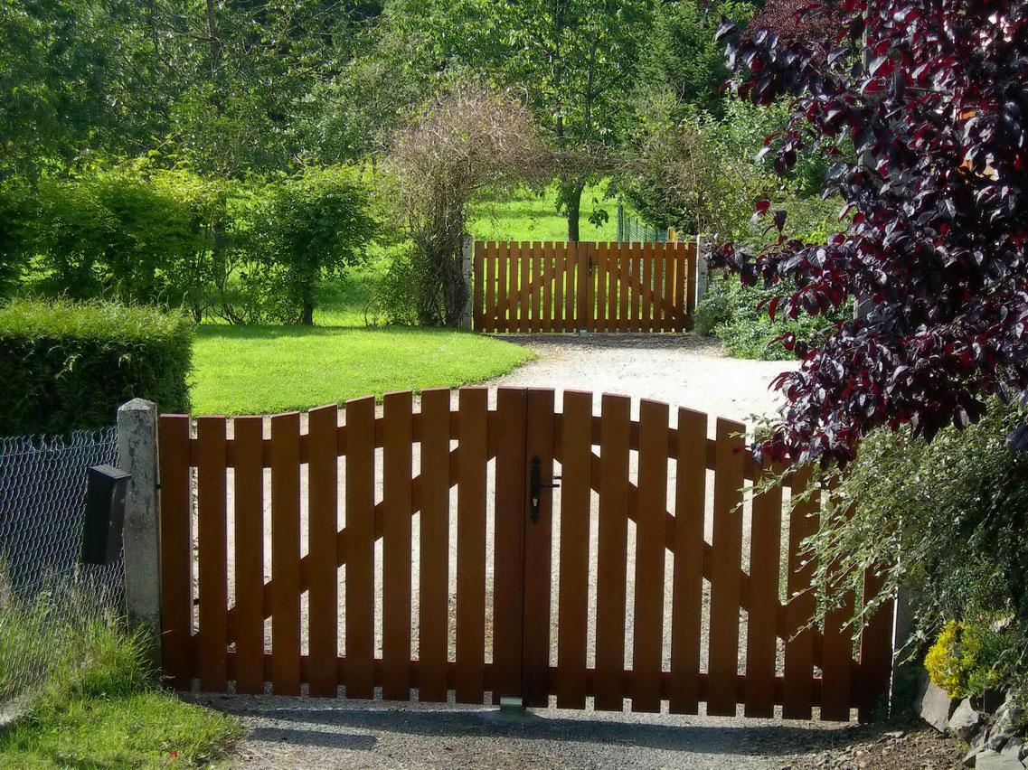 Ворота для дачи из штакетника