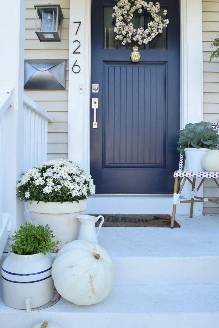 Синяя дверь в дом
