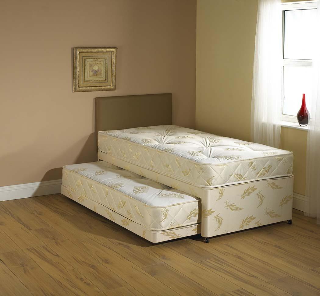 Выдвижная кровать со спальным местом