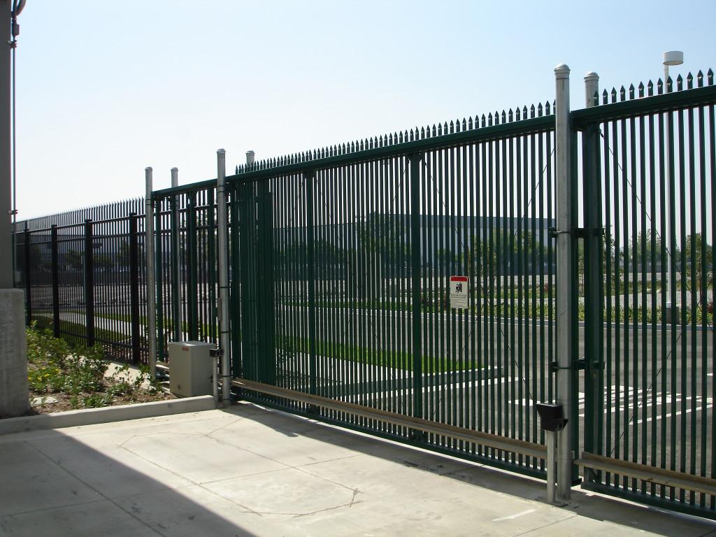 Вертикальные ворота стальные