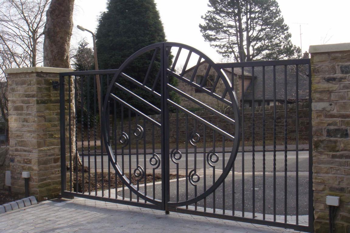 Металлические ворота из стали