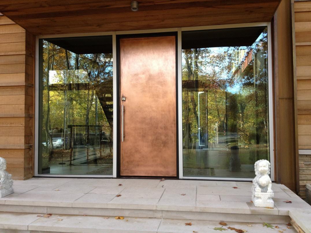 Двери в дом: как выбирать и правильно устанавливать (24 фото)