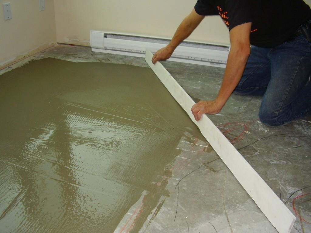Стяжка бетонного пола под ламинат