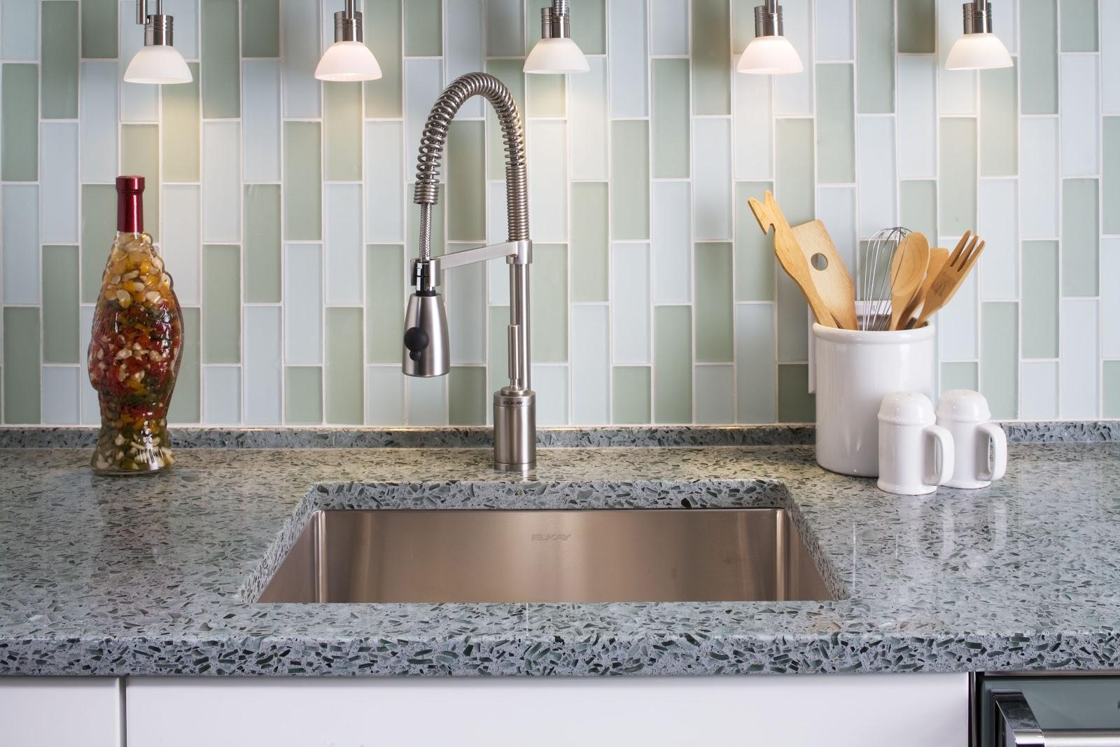 Стеклянная плитка для кухни