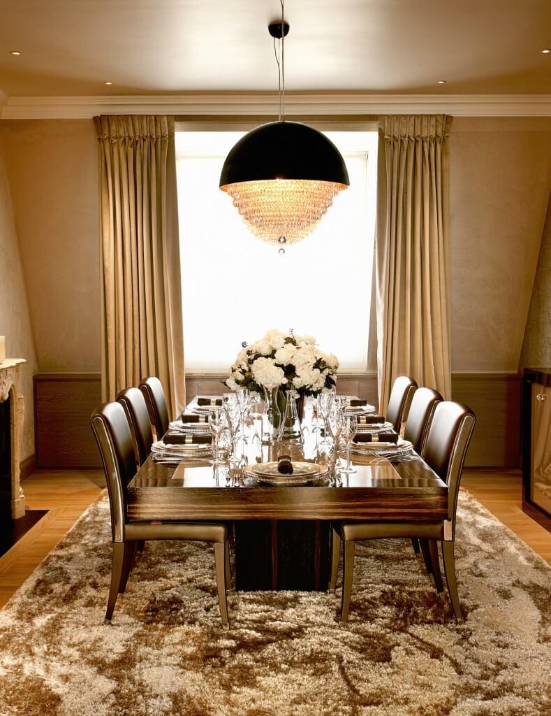 Золотые шторы в столовой