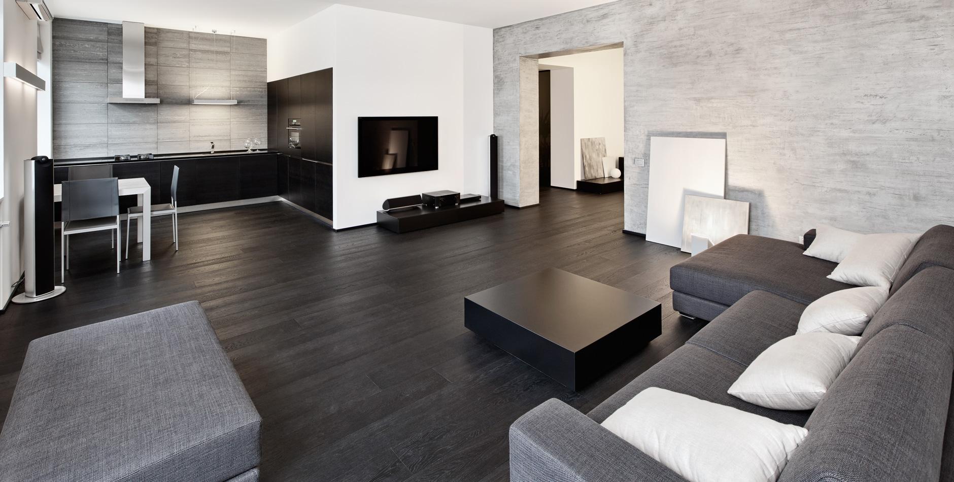 Черный ламинат в квартире студии