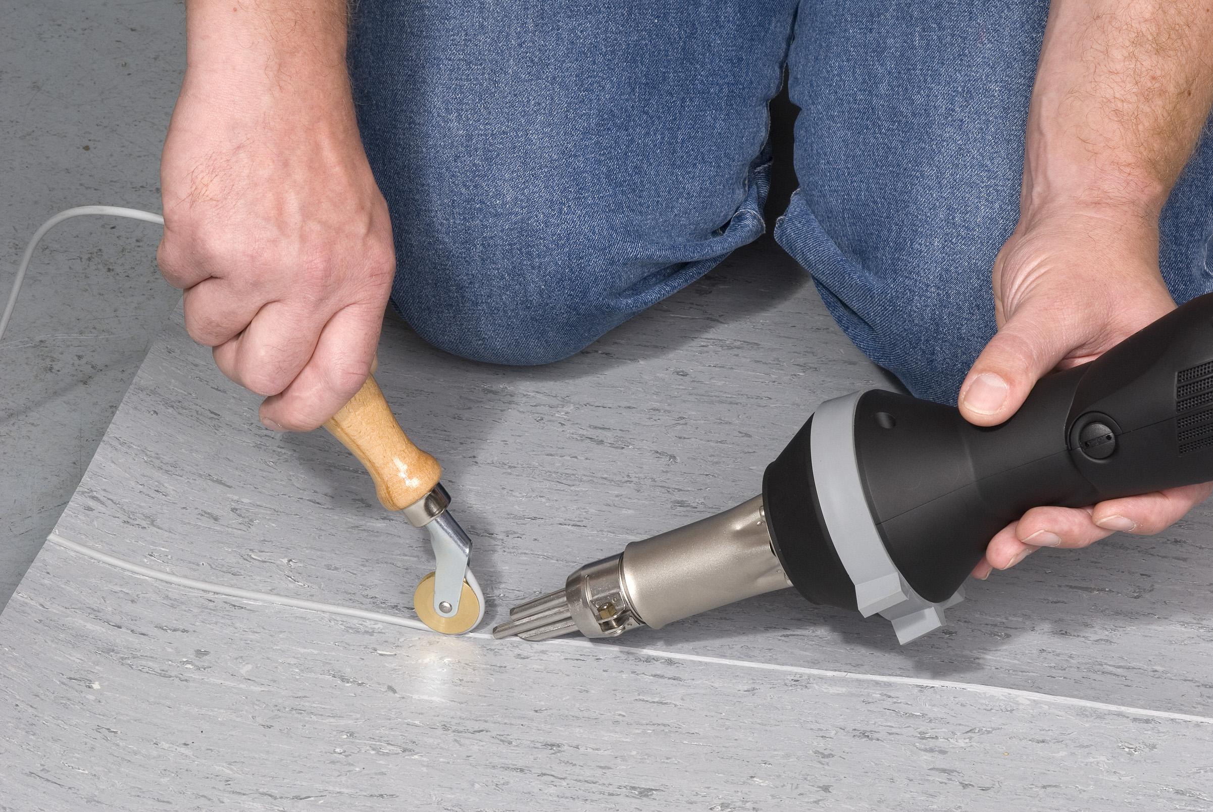 Укладка линолеума в стык на бетонный пол