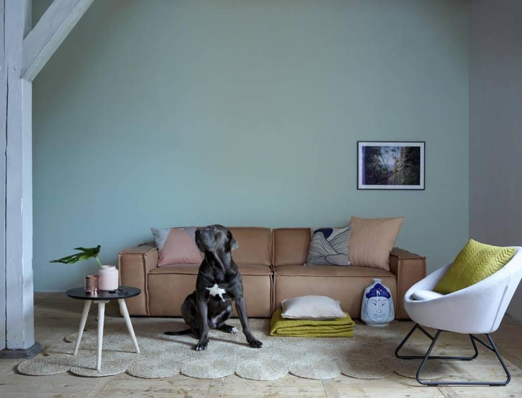 Коричневый светлый диван